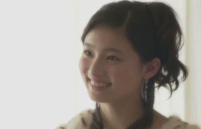 yoshidariko-smile