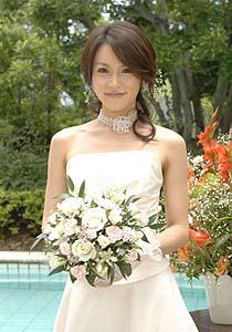 yamaguchisayaka-weddingdress