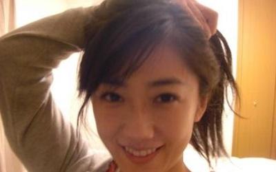 唐橋ユミ(養命酒のCM女優)のメガネ画像が可愛い!結婚した旦那は誰 ...